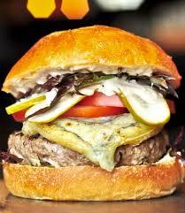 cuisiner un hamburger recettes de hamburgers idées repas bbq facile foodlavie