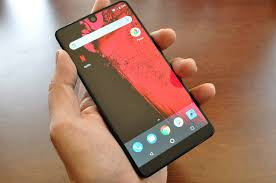 hands on with andy rubin u0027s essential phone techcrunch