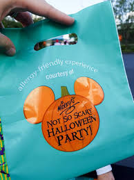 mickey s halloween party 2017 disneyland allergy friendly treats offered at mickey u0027s not so scary halloween