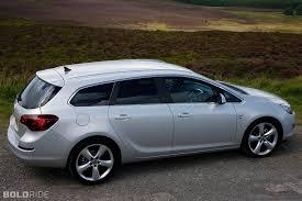 opel astra sedan 2004 2012 opel astra sedan official pics