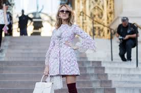 pfw 2017 celine dion poses at paris for fashion week photos