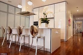 bethenny soho apartment bethenny frankel gives tour of newly renovated soho apartment on