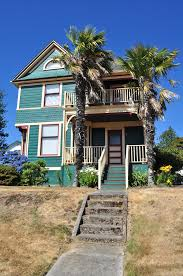 file cathlamet wa queen anne house with palm trees 03