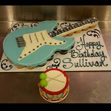 Pull Apart Halloween Cupcake Cakes Guitar Cupcake Cake Cupcake Cakes Pinterest Guitar Cupcakes