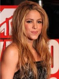 what color is shakira s hair 2015 the 25 best shakira hairstyles ideas on pinterest shakira