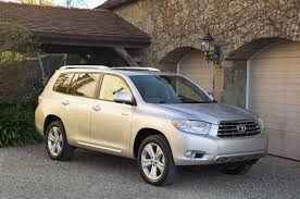 toyota announces all four cylinder for the 2009 highlander