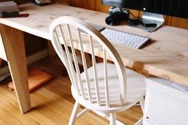 table de travail bureau image libre meubles table chaise bois intérieur clavier d