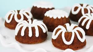 how to make pumpkin bundt cakes youtube
