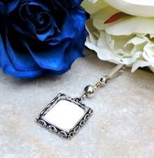 in loving memory charms what a lovely way to remember someone special wedding bouquet