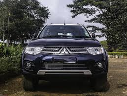 my three red diamonds mitsubishi pajero sport in blue u0026 white