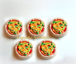 where can i buy chocolate covered oreos the 25 best pizza oreos ideas on fruit pizza dessert