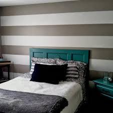 muri colorati da letto pareti a righe forza arredamento e stanza da letto