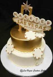 wedding cake las vegas gold vegas themed wedding cake picture of las vegas