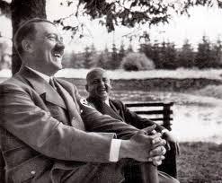 hitler kort biografi adolf hitler laughing at a vacation in harz mountains 17 21 7 1935