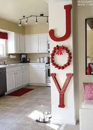 Inexpensive Christmas Decorations 10 Amazing Christmas Decorations You Can Do On A Budget The
