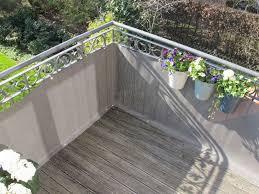 sichtschutz balkon grau balkonbespannungen attraktiver balkon sichtschutz