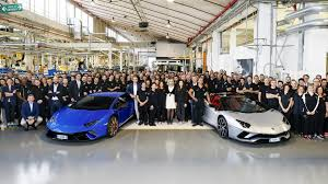 lamborghini showroom lamborghini has now produced 7000 aventadors and 9000 huracans
