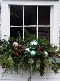 Outside Window Decorations For Christmas by Best 25 Christmas Window Boxes Ideas On Pinterest Winter Window