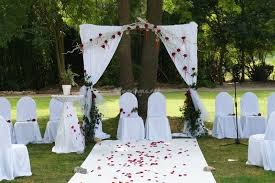 location arche mariage mariages net un article sur les cérémonies en extérieur soirée
