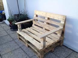 fabriquer un canapé en bois construire une banquette en bois avec fabriquer banquette en palette