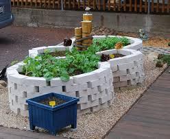 Steine Fur Gartenmauer Fundament Für Mini Mauer Und Pflanzringe Hausgarten Net