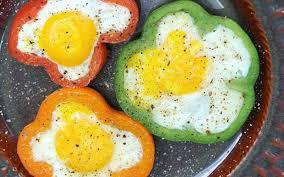 cuisiner poivron recette poivrons aux œufs pas chère et express cuisine étudiant