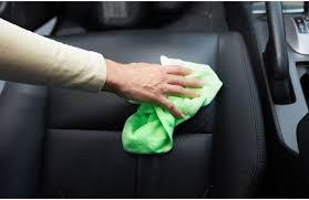 comment enlever des taches sur des sieges de voiture nettoyage voiture produit lavage auto astuce nettoyer interieur