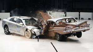 si e auto crash test auto moderna contro quella d epoca ecco il crash test