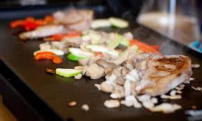 cuisiner à la plancha gaz la plancha gaz une nouvelle façon de cuisiner say cet