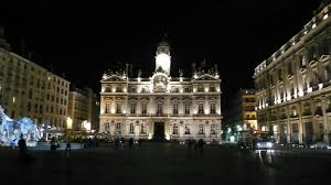bureau de change lyon hotel de ville file hôtel de ville de lyon façade de nuit 1 jpg wikimedia commons