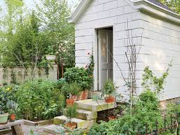 Vegetable Gardens In Florida by When To Plant Vegetables Down South By Month Southern Living