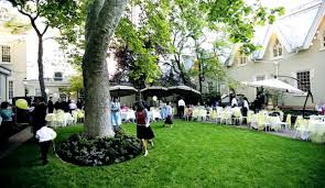 outdoor weddings lion house garden temple square