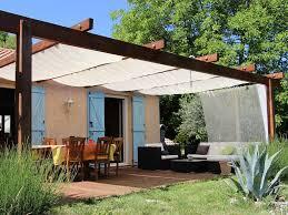 comment fermer une pergola villa ariane piscine terrasses pergola grand jardin vue