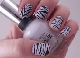 cross design on nails how you can do it at home pictures
