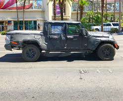 jeep truck spy photos jeep scrambler pickup truck jt spy pics page 5 jeep scrambler