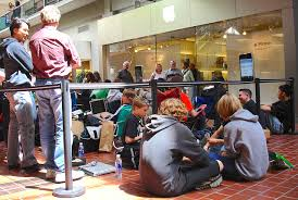 iphones for a penny at target black friday professional line sitter make 25 an hour waiting in line