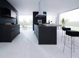 moderne kche mit insel matt schwarze küchen tür auf küche plus moderne küche schwarz