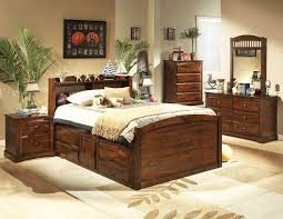 Natural Cherry Bedroom Furniture by Distressed Cherry Bedroom Set He827 Kids Bedroom