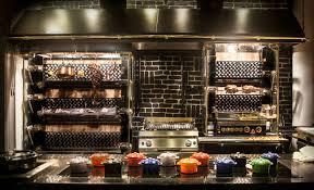 cuisine design rotissoire rotisserie noir gargotte rotissoire metier de