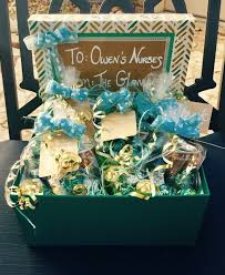 delivery gift baskets best 25 delivery gifts ideas on labor