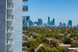 intown luxury one two u0026 three bedroom apartments in miami fl