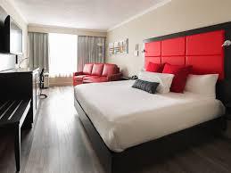 chambre universelle hôtel universel hôtels alma hébergement québecoriginal