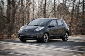 dark gray nissan 2013 nissan leaf gets epa rated 75 mile range digital trends