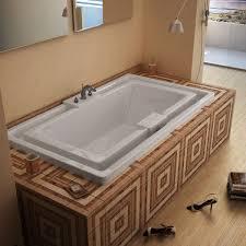 Jacuzzi Price Celio 78 X 46 Endless Flow Bathtub With Center Drain
