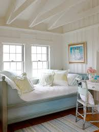 Cottage Style Bedroom Decor Cottage Bedrooms Decorating Ideas Photos And Video
