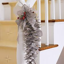Decorating Pine Cones With Glitter Christmas Decor Interesting Decorations Using Pinecones