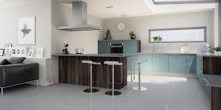modele de cuisine hygena idée relooking cuisine cuisine hygena modèle astral bleu style