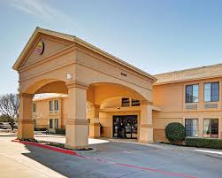Hotels In Comfort Texas Quality Inn U0026 Suites Dfw Airport Irving Tx Booking Com