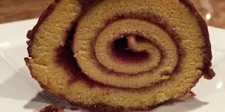 cuisine buche de noel vanilla raspberry buche de noel with chocolate frosting oregonian
