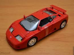 bugatti eb110 crash bburago 1 18 bugatti eb110 u2013 unboxed u2013 xdiecast